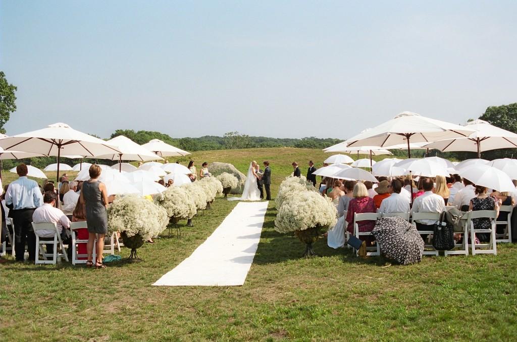 Farm ceremony by Tara Guerard Soiree